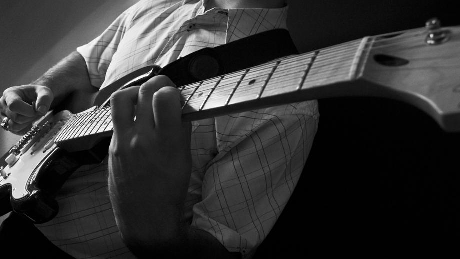 Anthony George :: Best Jazz Guitarists